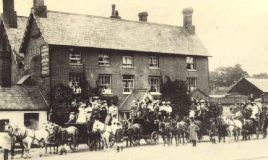 The Crown, Loughton