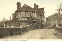 White Hart, Abridge
